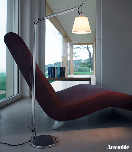 Thanks to their tremendous flexibility, design original Artemide from Tolomeo allows for the optimal flow of light.