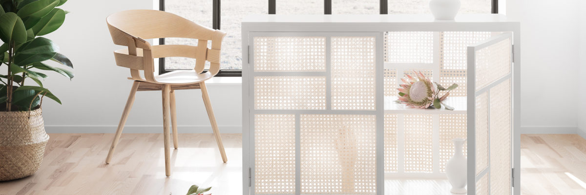 Air sideboard with chair room divider