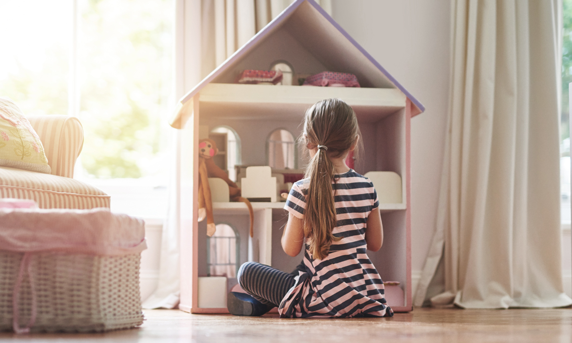 children's bedroom furniture girl with doll house